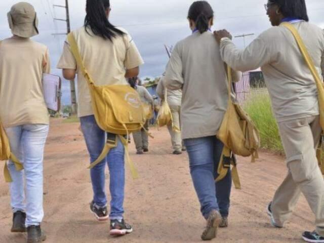 Agente de saúde em bairro da Capital (Foto: Campo Grande News/Arquivo)