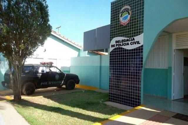 Dupla foi encaminhada para a Delegacia de Polícia Civil de Água Clara. (Foto: Arapuá MS)