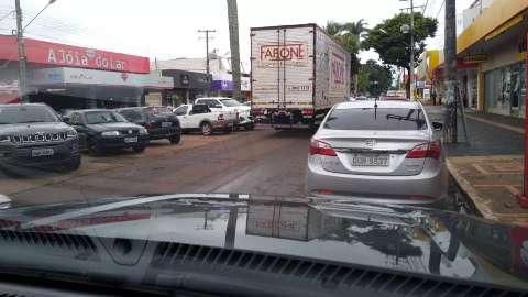 Prefeitura mantém aulas suspensas e retoma transporte com restrições