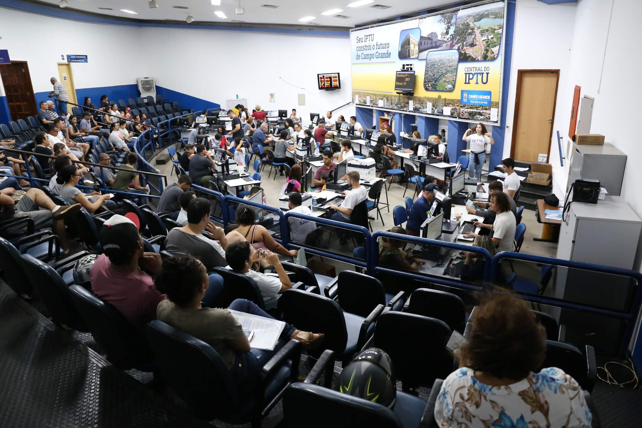 Central do IPTU reabre na terça-feira com novas normas de atendimento (Foto: Paulo Francis/Arquivo)
