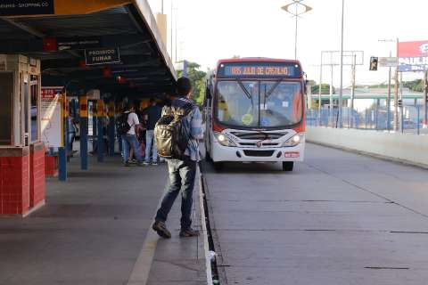 Passageiros relatam problemas na integração de linhas com transporte liberado