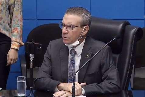 Com 2 votos contrários, deputados aprovam moção de apoio a Mandetta