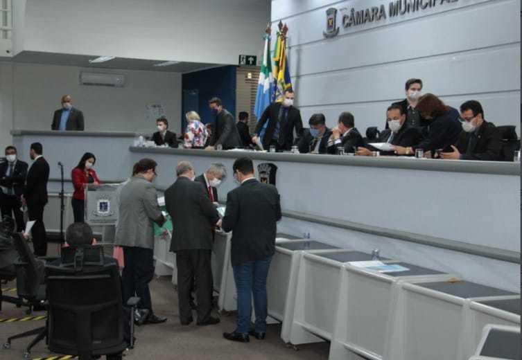 Vereadores de Campo Grande durante sessão fechada ao público(Foto: Divulgação)