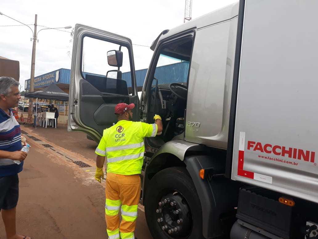 Equipes fazem higienização da cabine em postos avançados na BR-163 (Foto/Divulgação)