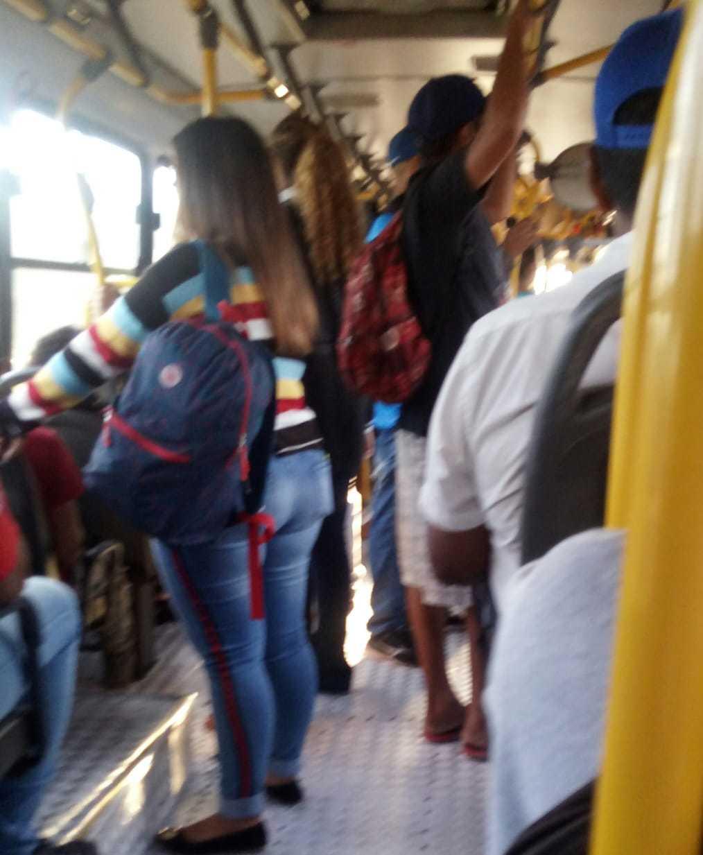 Lotação na linha 114, do Bairro Paulo Coelho Machado até o Centro (Foto: Direto das ruas)