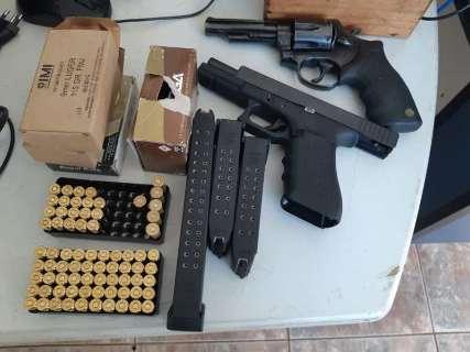 Homem é preso com arsenal, 980 quilos de droga e estimulantes sexuais na BR-267