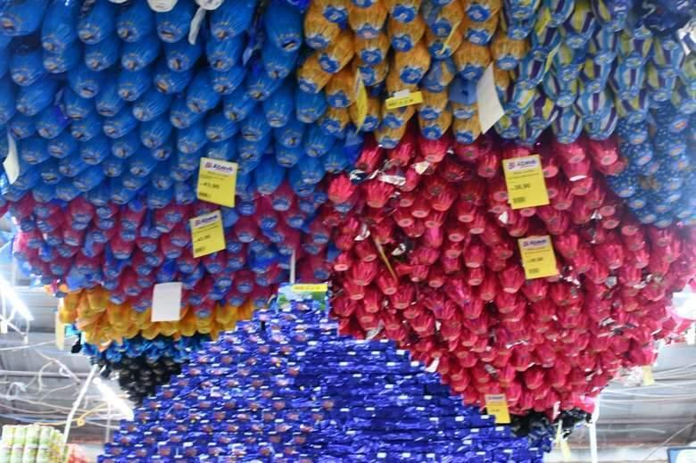 Ovos de chocolate apresentaram queda de preço em uma semana (Foto: Dourados News)