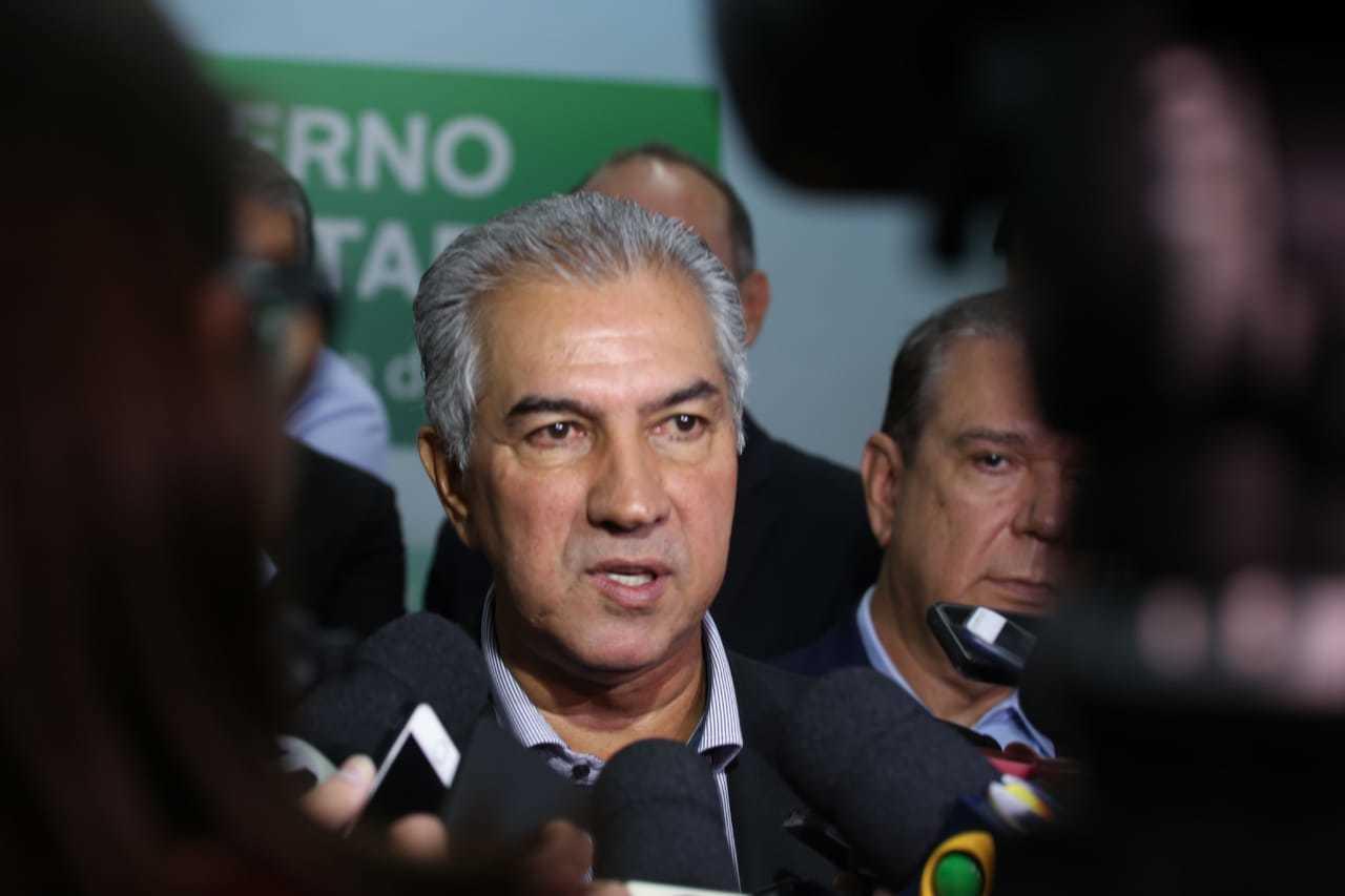 Governador Reinaldo Azambuja (PSDB) durante entrevista coletiva. (Foto: Marcos Maluf)