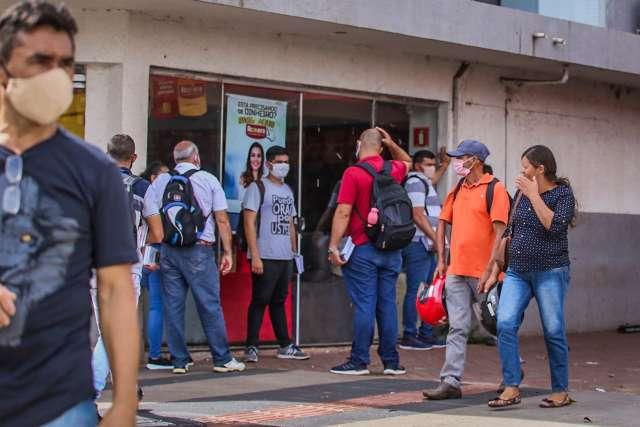 """Estado """"planta"""" pior isolamento do País e deve colher pico de casos em 15 dias"""