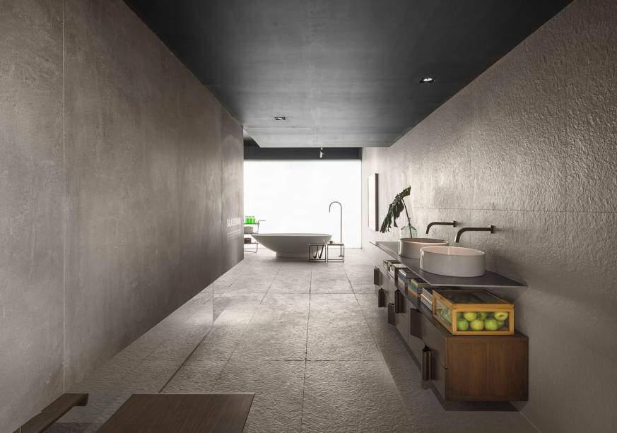 Sala de banho, projeto de Priscila Gabriel, o minimalismo é bem representado no ambiente de 78 m² e o cimento é um dos poucos materiais utilizados. (Foto: Jomar Bragança/Casa Cor)