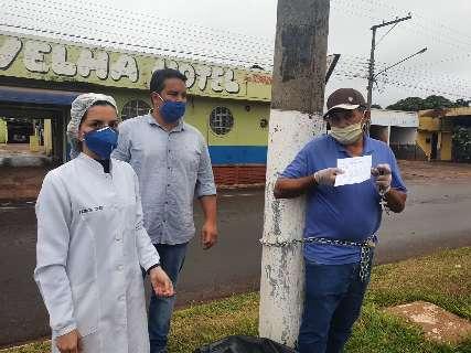 Paraguaio acorrentado em poste na fronteira não tem coronavírus