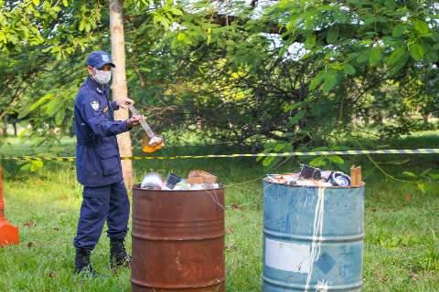 Guarda Civil incinera pipas com cerol e linha chilena para evitar reutilização