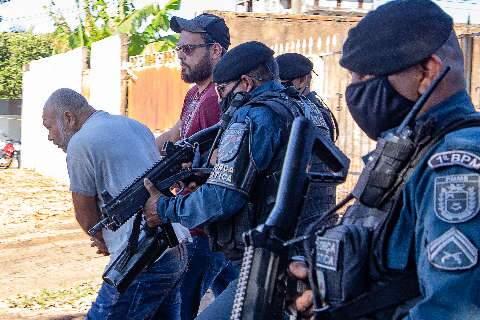 """Delegacia de Homicídios recebe novas denúncias contra """"Pedreiro Assassino"""""""