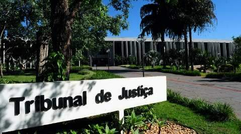 Cliente recebe multa de carro após furto e aciona seguradora na Justiça