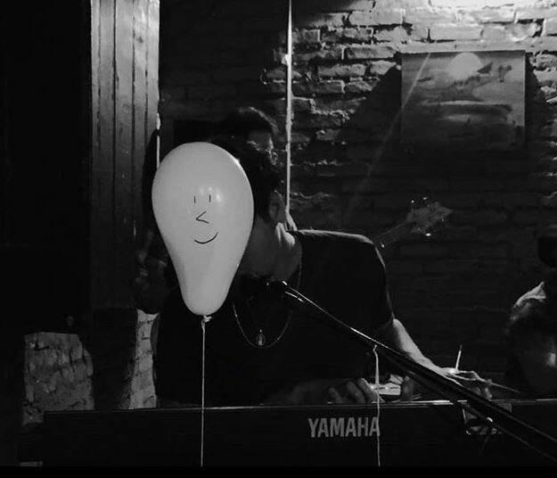 """O balão virou o """"rosto"""" de João durante a gravação do projeto. (Foto: Eliane Fraulob)"""