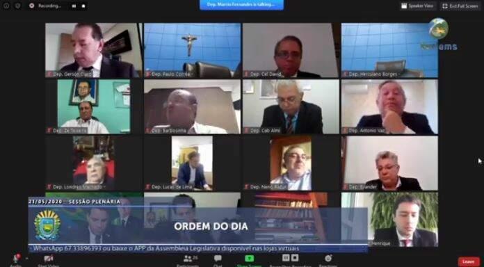 Deputados durante votação em videoconferência na Assembleia (Foto: Reprodução - Facebook)