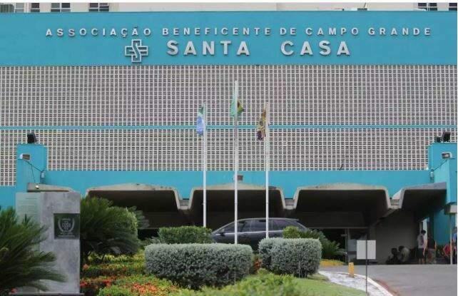 Santa Casa de Campo Grande, onde motociclista ficou internado (Foto: Arquivo)