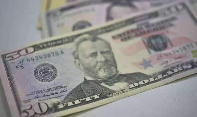 O dólar comercial encerrou esta sexta-feira (22) vendido a R$ 5,574. (Foto: Agência Brasil)