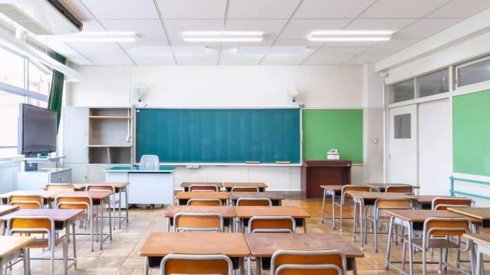Sala vazia em escola particular depois que a pandemia de covid-19 impôs suspensão nas aulas presenciais (Foto: Divulgação/MEC)