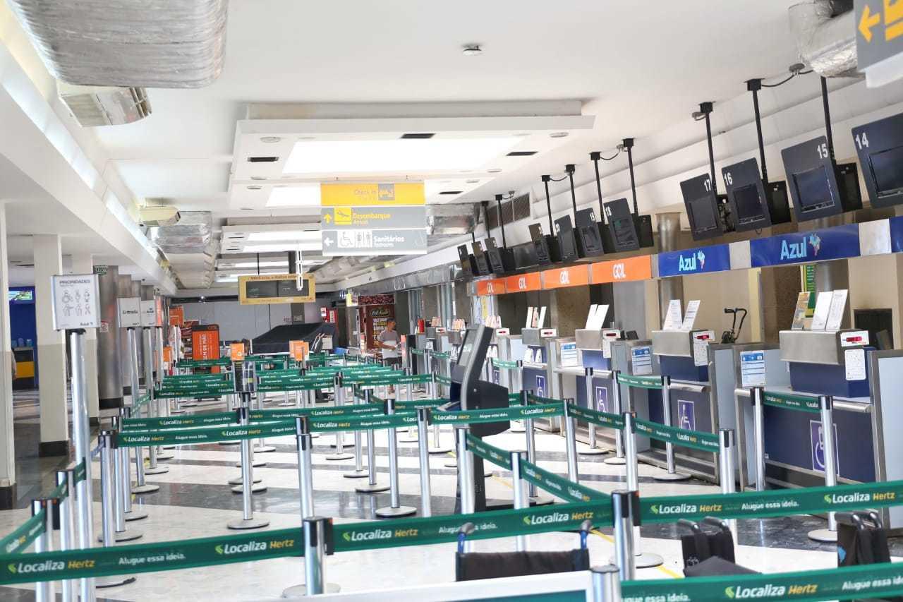 Área de checkins do aeroporto de Campo Grande. (Foto: Paulo Francis)