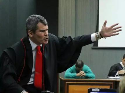 """Após performático Nando, promotor e juiz encaram 1º caso do """"Pedreiro Assassino"""""""