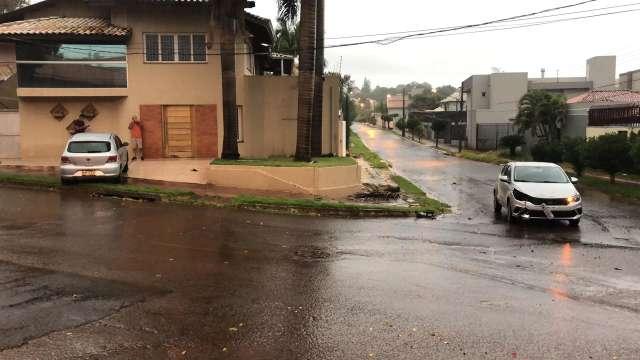 Morador reclama de acidentes e pede por sinalização na Vila Antônio Vendas