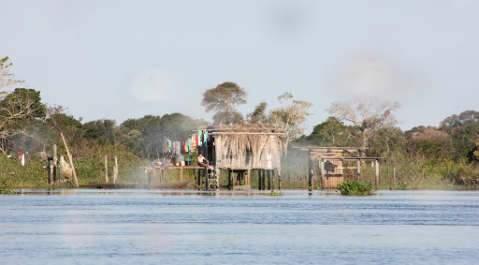 Sogro e genro desaparecem em rio durante pescaria