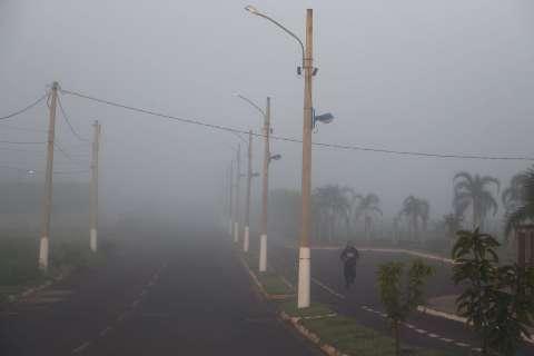 Frio provoca geada leve com sensação térmica de -2ºC em Paranhos e Amambai