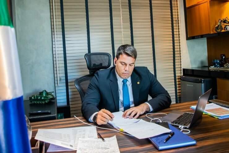 Deputado Renan Contar durante sessão virtual da Assembleia (Foto: Divulgação)