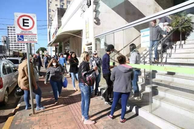 Funtrab começa a semana oferecendo 160 vagas de empregos