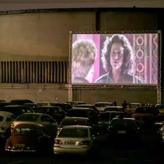 Shopping promete cinema drive-in para Capital; relembre exemplos