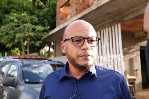 Após denúncia de tortura, Adepol diz que vai processar advogado de serial killer