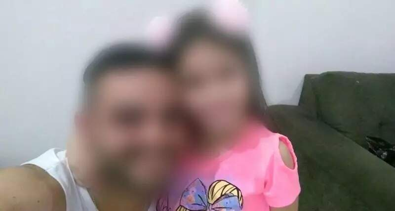 Pai e filha abraçados em foto tirada antes do desaparecimento (Foto: Arquivo pessoal)