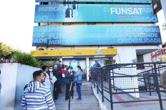 De açougueiro a vendedor, Funsat oferece 139 vagas de empregos na Capital