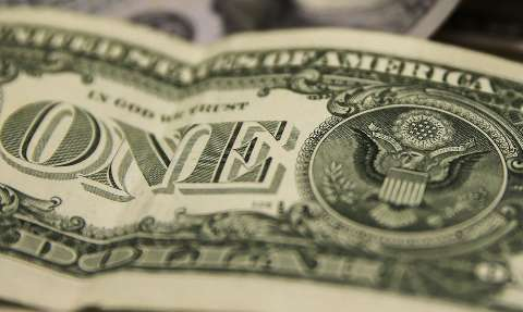 Dólar fecha em alta e aproxima-se de R$ 5,40 após seis dias de queda