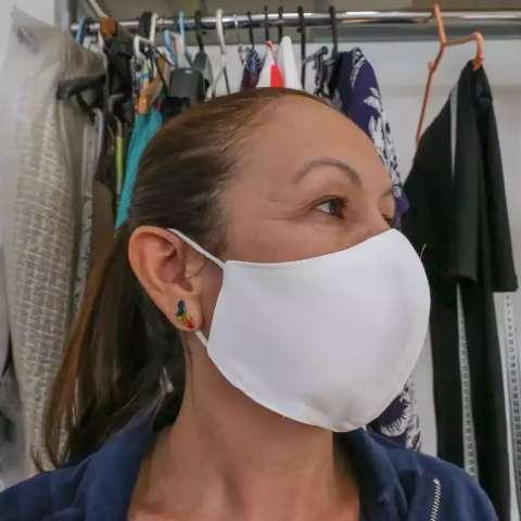 Eficaz na prevenção à covid-19, veja como fazer máscara de três camadas