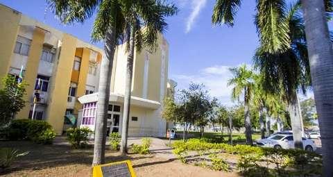Após gastar R$ 3 milhões com comissionados, prefeitura entra na mira do MPE