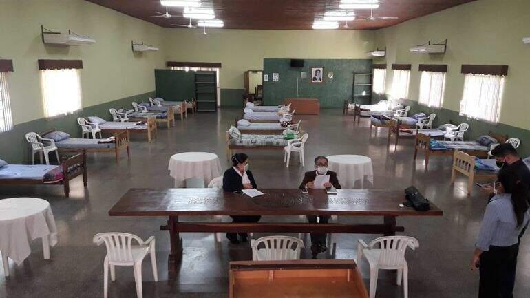 Espaço transformado em albergue em Pedro Juan Caballero (Foto: ABC Color)