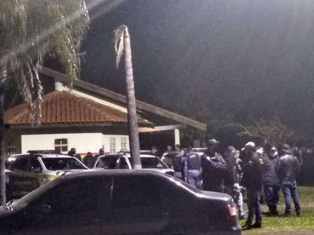 Guardas se reúnem para filmagens e situação revolta morador no Tiradentes