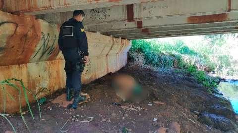 Desaparecido há 3 dias, homem é encontrado morto a facadas embaixo de ponte