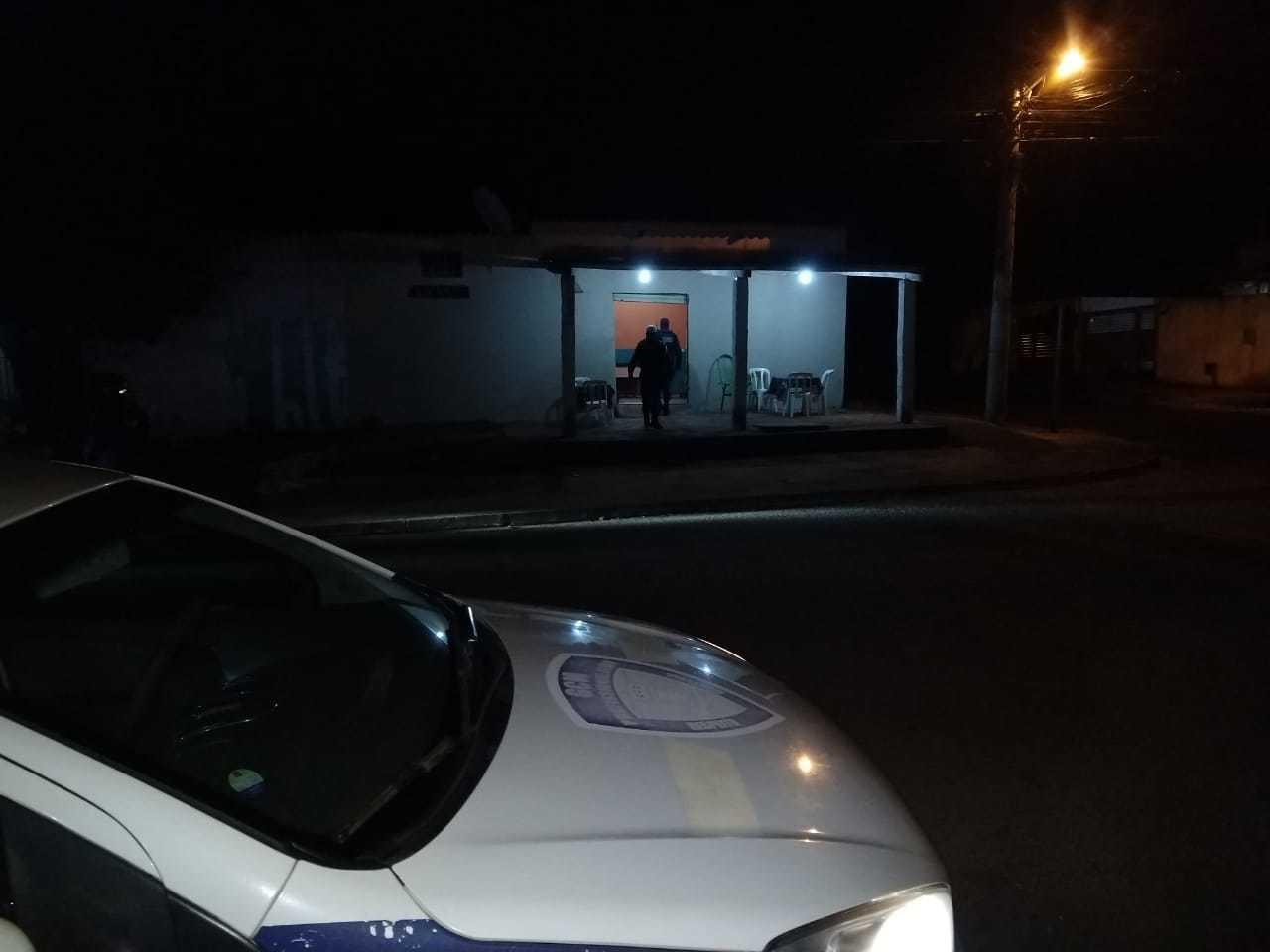 Nesta noite, 21 estabelecimentos foram encontrados abertos pelos guardas (Foto: Divulgação)
