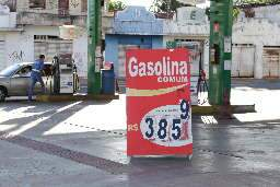 Fraca demanda por combustíveis segura preços da gasolina e diesel no Estado