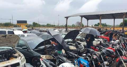 Detran-MS lança novo leilão com 416 motos e 42 automóveis apreendidos
