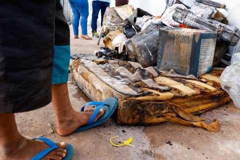 Vizinhos fazem vaquinha para ajudar pais a sepultarem bebê morto em incêndio