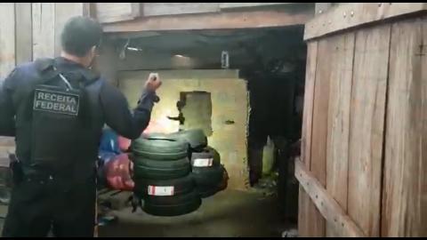 Depósito de descaminho é descoberto, veículos e 300kg de maconha são apreendidos