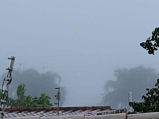 Nevoeiro faz Aeroporto Internacional operar por instrumento