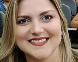 Professora morta em acidente comemorava vaga na rede pública