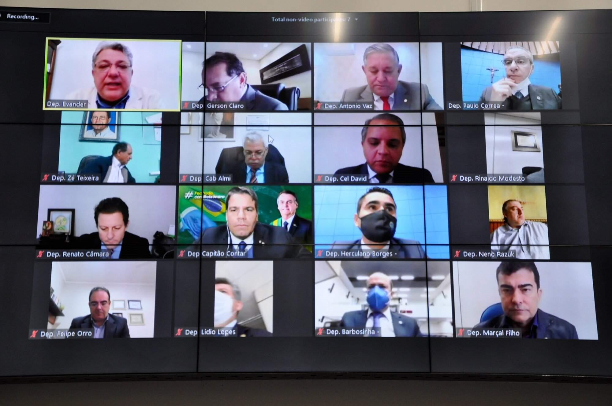 Deputados estaduias durante sessão em videoconferência (Foto: Luciana Nassar - ALMS)