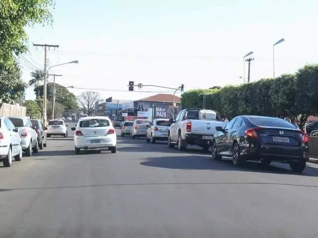 Cruzamento na Rua Brilhante onde já há semáforo; equipamentos serão trocados (Foto: Paulo Francis/Arquivo)