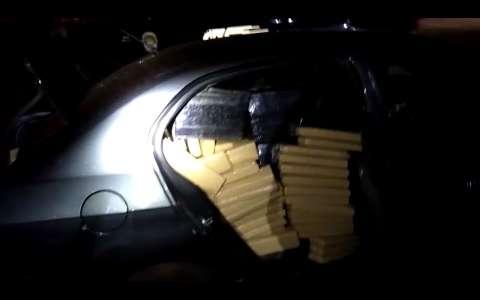 Homem com carro lotado de maconha foge de perseguição mesmo com pneu furado
